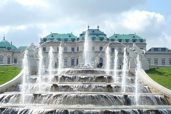 Австрийский Версаль