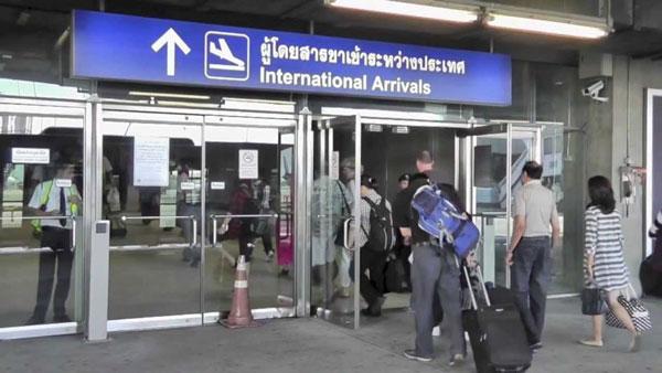 Вход аэропорт Бангкока -в зону прилета