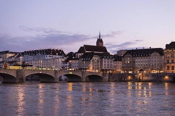 Река Рейн в Цюрихе