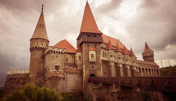 Замок Хунедоара