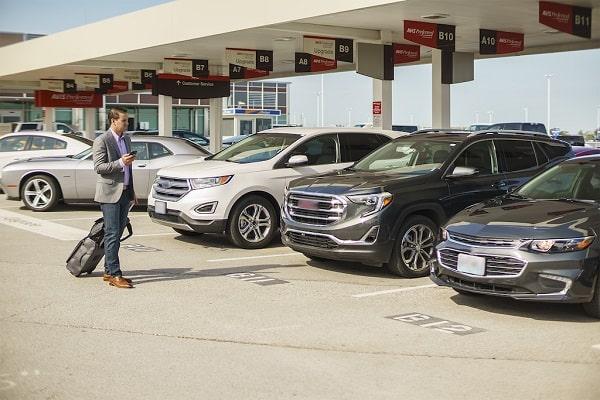 Получение машины на парковке прокатной компании