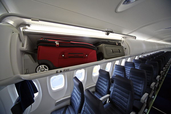 ручная кладь на борту самолета