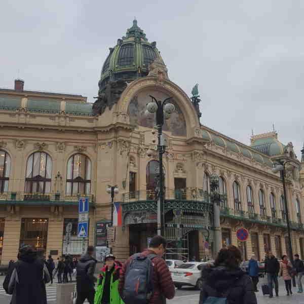 Работа в Чехии для россиян и украинцев
